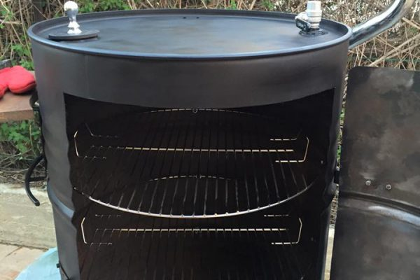 behold-the-jd-smoker-a-huge-bbq-smoker-out-of-2-barrels (12)